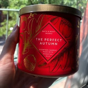 The Perfect Autumn Bath and Body Works Candle